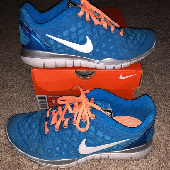 official photos b1d68 cb947 Women s Nike Free TR Fit Shoes Size 9